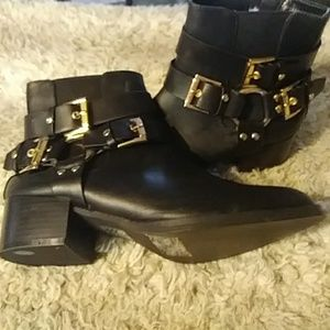Black and gold booties sz 9 NWT